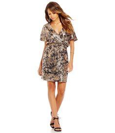 Gianni Bini Kendall V-Neck Short Sleeve Printed Sequined Dress