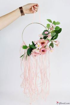 DIY this Floral Hoop Wreath for your Spring Wedding Decor