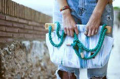 Tongue>bag mini >>> Light Blue-Turquoise Waves