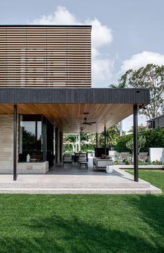 New Zealand Architecture, Residential Architecture, Architecture Design, Brick Courtyard, Courtyard House, Brisbane Architects, Small Bungalow, Family House Plans, Queenslander