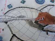 How to Mosaic and make beautiful objects for home and garden: How to Mosaic on Mesh
