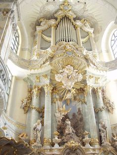 Organ in the Dresden Frauenkirche in Dresden, Germany, rebuilt in 2005 by Daniel Kern behind a reconstruction of the original facade of the 1736 organ of Gottfried Silbermann.