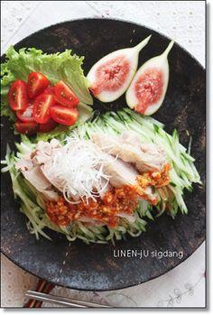 棒棒鶏風茹で鶏の旨辛だれ|レシピブログ