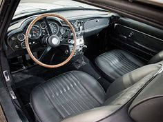 Aston Martin DB6 Vantage 1969 interieur