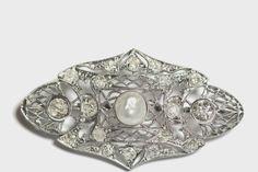 Online veilinghuis Catawiki: Antieke broche gemaakt van 750 witgoud – holle, natuurlijke parel en 18 diamanten – zeldzaamheid!