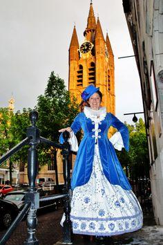 Op het trapje van Huis Oud Holland  Een verborgen parel van Delft