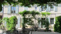 VILLA MATISSE (Saint Rémy de Provence) Mooie mas met privé zwembad, gelegen op het platteland op 5 minuten autorijden van het centrum van Saint Rémy de Provence. Deze mas is gelegen op een terrein van 1 hectare en beschikt over een grote tuin en een mooi, ruim terras. Met 3 slaapkamers, 2 badkamers en 1 afzonderlijke studio met slaapkamer en douchekamer, is deze vakantiewoning geschikt voor 6 tot 8 personen.