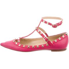 Pre-owned Valentino Leather Rockstud Flats ($640) ❤ liked on Polyvore featuring shoes, flats, pink, flat pumps, pointy toe flats, valentino shoes, pointy toe ankle strap flats and pink flats