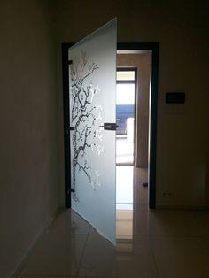 sklenené vzorované pieskované otočné dvere do oblôžkovej zárubne Bathtub, Windows, Bathroom, Home Decor, Standing Bath, Washroom, Bathtubs, Decoration Home, Room Decor