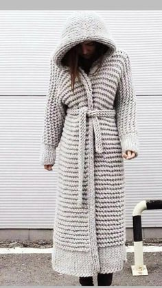 Crochet Coat, Knitted Coat, Crochet Clothes, Knit Fashion, Sweater Fashion, Gilet Long, Hijab Style, Big Knits, Clothing Photography