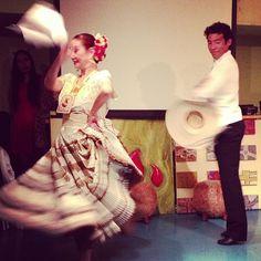Peruvian dancing at the Pink Cow restaurant, Roppongi.