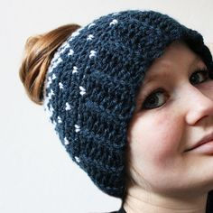 Here you can find my free crochet pattern of the Lovely heart hat with normal crochet stitches. This hat is great for Valentine's Day. I have two versions of this hat: one is made with normal single crochet stitches, and my other version is made with the knit stitch. Click here for my knit stitch …