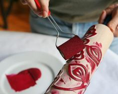 Interesting to try Make Your Own Stencils, Roller Design, Stencil Printing, Tampons, Painted Paper, Artisanal, Textile Prints, Handmade Crafts, Sewing Crafts