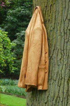 Lifelike wood sculptures by Loris Marazzi. I love it! #art #wood