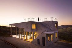 Cerrado House by Vazio S/A | Detached houses