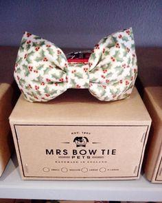 Holly Sprigs Christmas Dog Collar Bow Tie