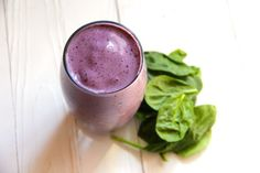 Blueberry Spinach Smoothie 2/3 cup plain Greek yogurt 1 ripe banana 2/3 cup frozen blueberries 2 large frozen strawberries 1 cup spinach leaves 1/2 cup milk of choice 1 tablespoon of honey