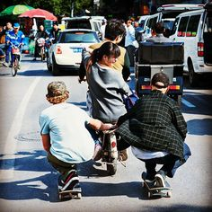 Who would ride and would skate on the side in your dream 10 wheel taxi? #SilkyWay #Shanghai #Skate #MiniAdventure @resbullskate #photooftheday #amazing #action