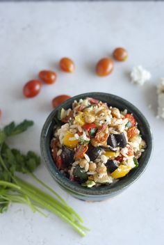 Roasted Veggie Orzo Salad with Feta. Chewy orzo sweet roasted veggies and feta make one robust pasta salad. Prepare a batch on Sunday so work week lunches are fast! Healthy Salad Recipes, Raw Food Recipes, Vegetarian Recipes, Cooking Recipes, Veggie Main Dishes, Vegetable Dishes, Side Dishes, Healthy Lunches For Work, Healthy Eating