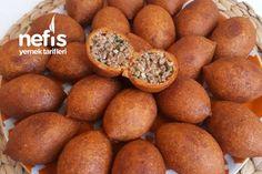 İçli Köfte Tarifi nasıl yapılır? 6.290 kişinin defterindeki İçli Köfte Tarifi'nin detaylı anlatımı ve deneyenlerin fotoğrafları burada. Snacks, Pretzel Bites, Iftar, Sweet Potato, Muffin, Potatoes, Bread, Vegetables, Breakfast