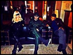 Arrow - Superhero chillin' - Canary, Arrow & Diggle