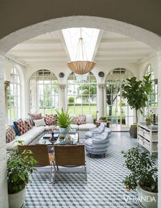 This antique Spanish Colonial house in the June issue of Veranda magazine took my breath away! The home owners brought in interior desi. Best Decor, Decor Diy, Home Decoration, My Dream Home, House Tours, Future House, Interior And Exterior, Beautiful Homes, Outdoor Living