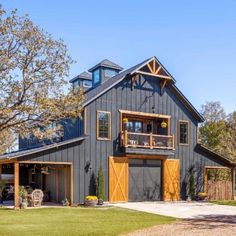 Pole Barn House Plans, Pole Barn Homes, Garage Plans, Cabin Plans, Garage Ideas, Steel Building Homes, Building A House, Barn House Design, Barn Style Houses