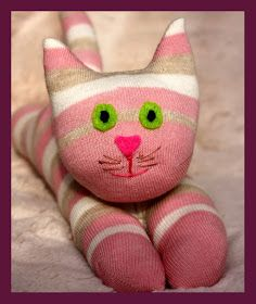 Star-Shaped and Shiny: Sock-Cats and Dogs - Make Soft Toys From Socks