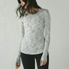 ISO Lululemon long sleeved top Excellent condition size 6 lululemon athletica Tops Tees - Long Sleeve