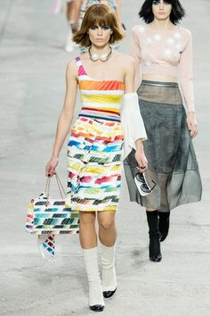 See the complete Chanel Spring 2014 Ready-to-Wear collection.
