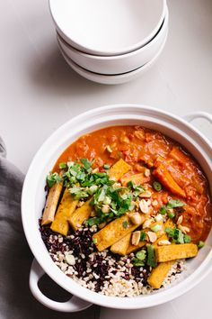 carrot coconut curry with crispy tofu — sobremesa | (je dois trouver tomates rôties sur le feu de Aylmer