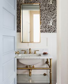 "Luxe Interiors + Design on Instagram: ""Top brass. #LuxeAtHome. @sandow Photo: @haris.kenjar; Architecture: @ryanrhodesdesigns; Interiors: @orestudios; Builder:…"" 3d Interior Design, Interior Design Services, Exterior Design, Interior Architecture, Interior And Exterior, Interior Doors, Downstairs Bathroom, Guest Bath, Service Design"