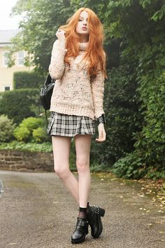 red hair, cute outfit