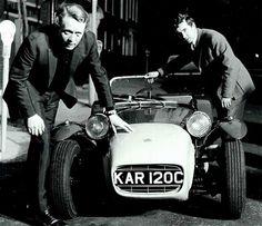 Patrick McGoohan and Graham Nearn with the car from the Prisoner TV series - 1965 Caterham Super 7, Lotus Sports Car, Yamaha Motorbikes, Spy Shows, Lotus 7, Service Secret, Triumph Tr3, Vintage Television, Uk Tv