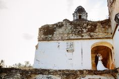 gorgeous wedding photo in Antigua, Guatemala by Caroline+Ben Photography | junebugweddings.com
