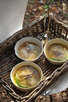 http://www.seasons.nl/2011/culinair-recepten/truffelravioli-in-bouillon/