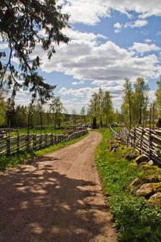 Småland, Sweden her er jeg født og opvokset . Voyage Suede, Georges Wolinski, Country Life, Country Roads, Back Road, Farm Life, Land Scape, Beautiful Landscapes, Wonders Of The World