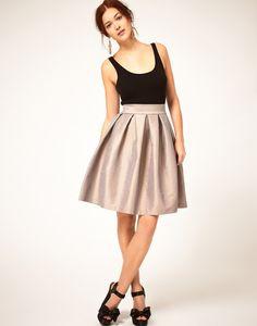 Tendencias de primavera: falda con vuelo.