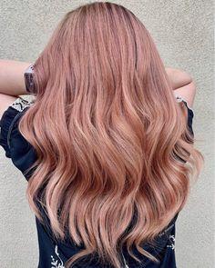 Top 19 Rose Gold Hair Color Ideas Trending in 2019 - Modern Rose Gold Blonde, Rose Gold Hair, Unnatural Hair Color, Hair Color Dark, Guy Tang, Balayage Hair Blonde, Brunette Hair, Pixie, Short Hairstyles