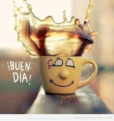 Taza de café con una sonrisa, buenos días