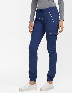The Jogger Pant in Estate Navy Blue is a contemporary addition to women& medical scrub outfits. Shop Jaanuu for scrubs, lab coats and other medical apparel. Scrubs Outfit, Scrubs Uniform, Stylish Scrubs, Cute Scrubs, Greys Anatomy Scrubs, Lab Coats, Phlebotomy, Womens Scrubs, Work Uniforms