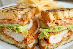 gegrilde kip- sandwich- is    wat wilde ik zeggen ik bleef hangen bij het woord kip