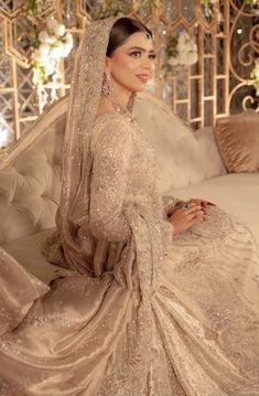 Asian Bridal Dresses, Asian Wedding Dress, Pakistani Wedding Outfits, Indian Bridal Outfits, Indian Fashion Dresses, Pakistani Bridal Dresses, Pakistani Wedding Dresses, Asian Fashion, Desi Bride