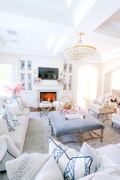 Southern Charm Inspired Spring Home Tour - Randi Garrett Design Glam Living Room, Home And Living, Living Room Decor, Cozy Living, Dining Room, White Family Rooms, Southern Homes, Southern Charm, Southern Living Rooms
