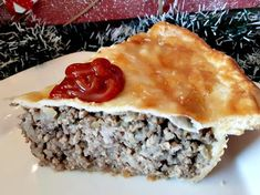 I am Canadian, but not Acadian. Yup that is what I said. Xmas Food, Christmas Baking, Christmas Meat, Christmas Recipes, Christmas Holiday, Holiday Recipes, Rappie Pie Recipe, Tourtiere Recipe Quebec, Tortiere Recipe