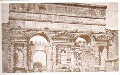 Porta Maggiore, veduta esterna. Anticamente, le entrate erano 2, Porta Labicana e Porta Prenestina. Poi, con lo scarso traffico medioevale e per meglio difendersi, ne fu lasciata aperta solo una. Anno: Primi del 900