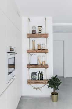 DIY shelf: shelf made of old wood to do it yourself with instructions- DIY Regal: Regal aus Altholz zum Selbermachen mit Anleitung DIY shelf: shelf made of old wood to do it yourself with instructions - Diy Home Decor, Room Decor, Diy Regal, Old Wood, Home Renovation, Floating Shelves, Bookcase, Sweet Home, Decoration