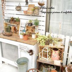 Geminiさんの、玄関/入り口,すのこ板壁,Gemiガーデン,室外機カバーDIY,のお部屋写真 Miscellaneous Goods, Private Garden, Balcony Garden, Cool Diy, Garden Paths, Beautiful Gardens, Diy And Crafts, Shed, New Homes
