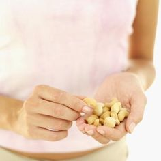 Snacking can be a helpful tool for weight loss — or the main way you sabotage your goals. For snacking success, we asked healthy chef and fitness trainer Diabetic Tips, Diabetic Snacks, Healthy Eating Recipes, Low Carb Recipes, Healthy Life, Healthy Snacks, Atkins Recipes, Nutritious Meals, Healthy Habits