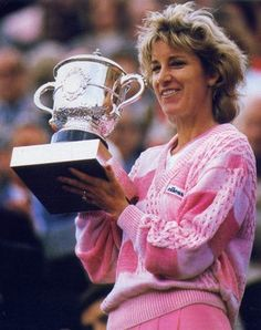 1986: Chris Evert defeated Martina Navratilova 2–6, 6–3, 6–3 in the final to win the Women's Singles tennis title at the 1986 French Open